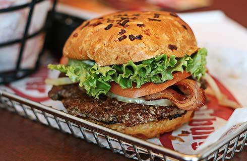 Smashburger: новый конкурент гамбургеров
