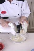 Клубничный торт с эклерами
