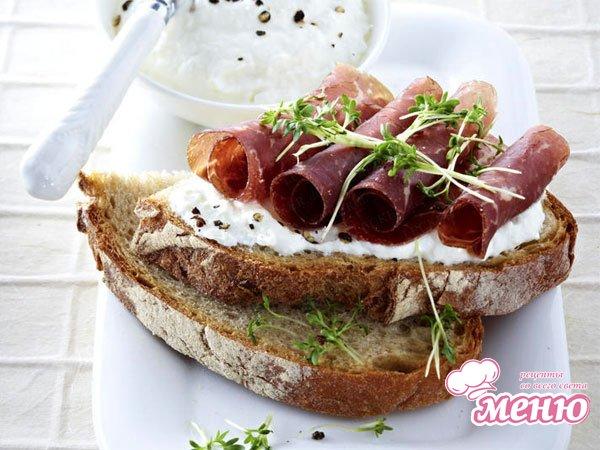 Хлеб с вяленой говядиной